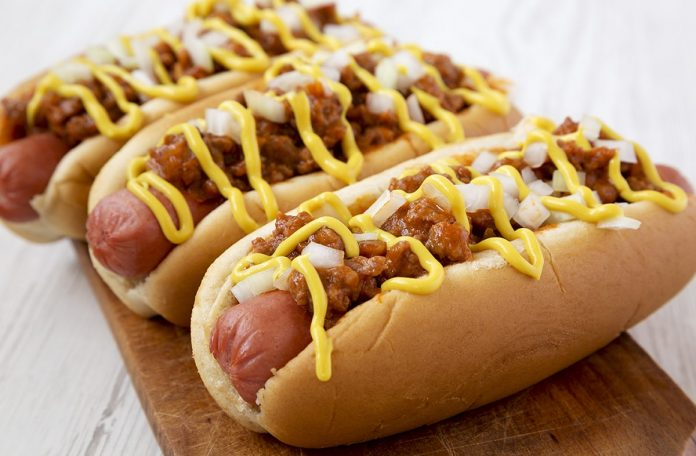 Chili Dogs Plated Up